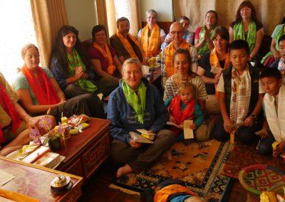 p1010555-gruppenfoto-bei-sherab-gyaltsen-rinpoche